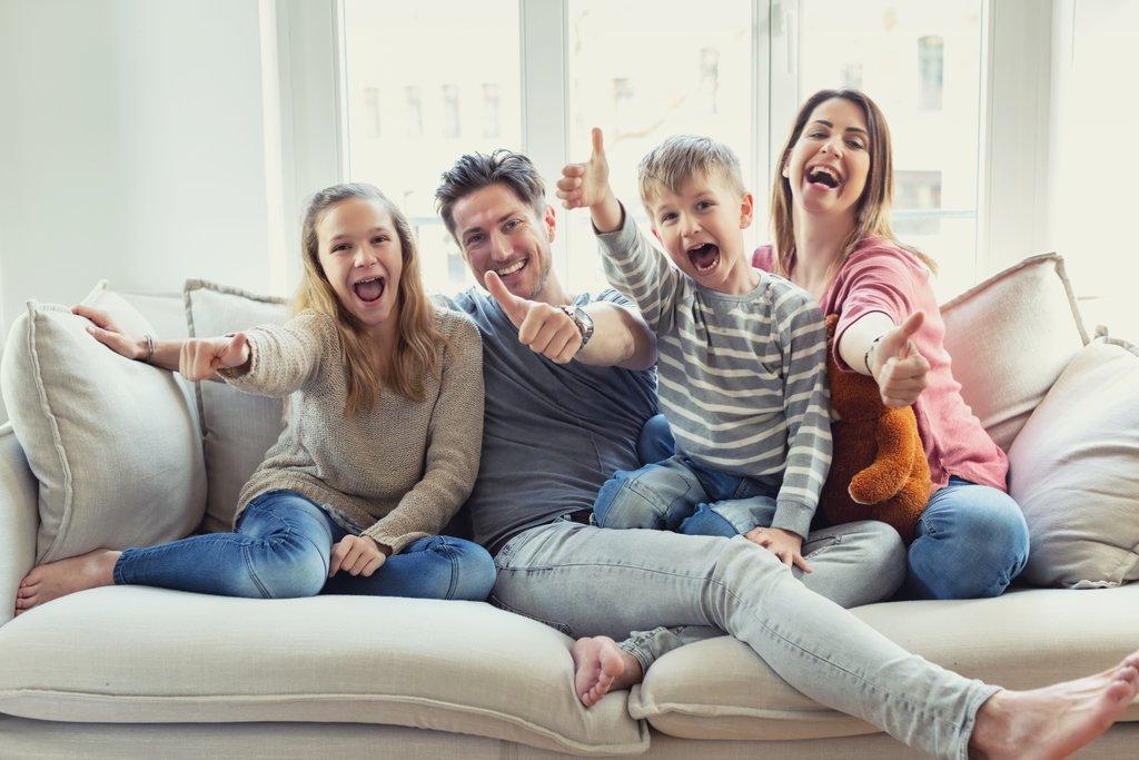 Zufriedene Familie - Kooperation albfinanz GmbH