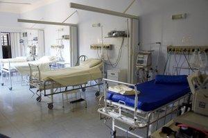 Krankenhauszimmer // ADAMIETZ & KOLLEGEN GmbH