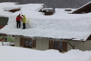 schneebedecktes Dach // ADAMIETZ & KOLLEGEN GmbH