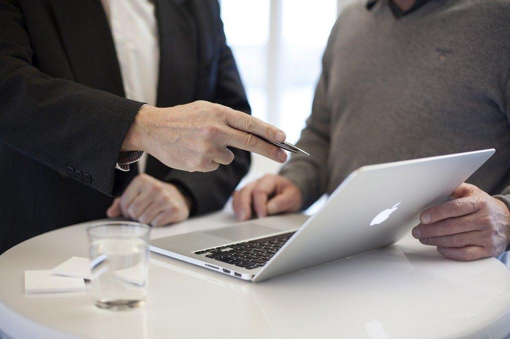 Beratung Laptop // ADAMIETZ & KOLLEGEN GmbH